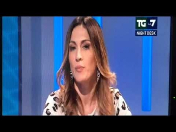 Elvira Savino TgLa7 Night Desk parte-1 @forza_italia